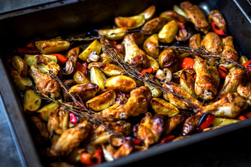 Chicken wings with vegetable, ready to eat