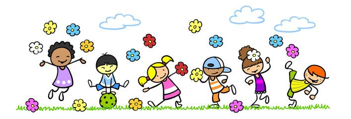 Multikulturelle Gruppe Kinder im Sommer