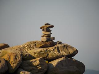 積まれた石
