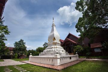 "Wat in Thailand ""public area, no need properties release"""