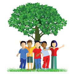 Fröhliche Kinder um einen Baum
