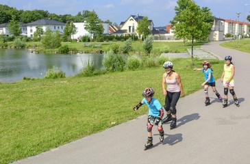 Inline-Skater im Park