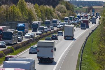 LKW Autobahn Stau Überlastung