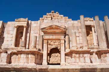 Jerash, Giordania, 04/10/2013: il Teatro Sud dell'antica Gerasa, uno dei più grandi e meglio conservati siti di architettura romana al mondo