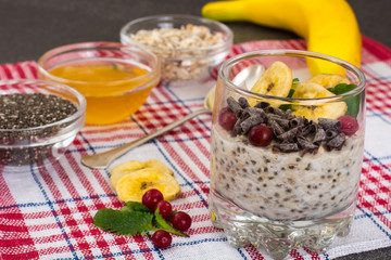 Oat flakes with honey, chia, banana and chocolate