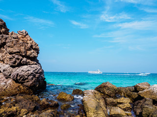 Seascape in blue sky day at Koh Larn, Pattaya, Thailand
