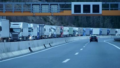 LKW Stau auf der Brennerautobahn