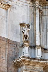 Detalle estatuas catedral de cadiz