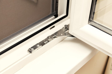 closing mechanism of plastic windows