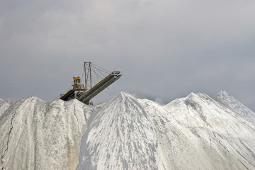 Tray tailings in the open pit