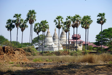 Foto op Canvas Onweer Stupas and temple