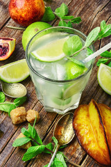 refreshing non-alcoholic Mojito cocktail