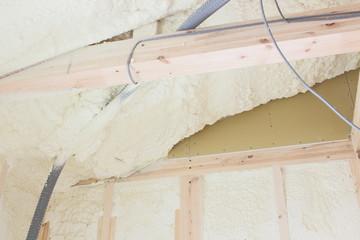 吹き付け断熱材の壁
