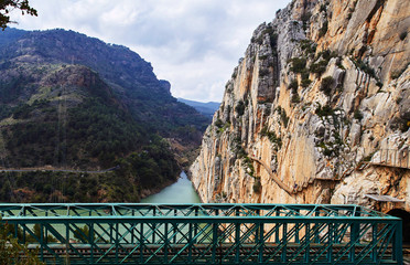 Wall Mural - Caminito del Rey and railway bridge, Desfiladero de los Gaitanes, Panorama