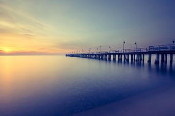 Piękny wschód słońca na plaży. Gdynia Orłowo. Polska