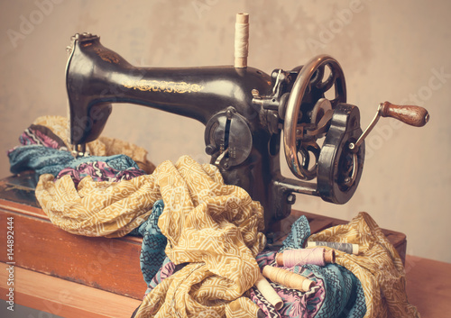 Old Sewing Machine Fabric And Sewing Thread In Vintage Style Amazing Vintage Sewing Machine Fabric