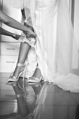 scarpe da sposa durante i preparativi