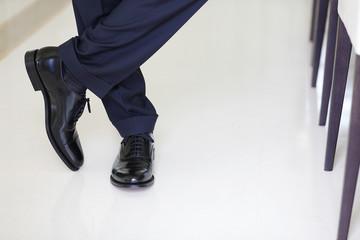 scarpe da uomo incrociate