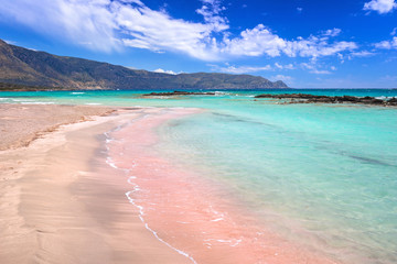 Papiers peints Plage Elafonissi beach with pink sand on Crete, Greece