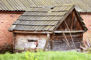 Old falling dilapidated shed/barn