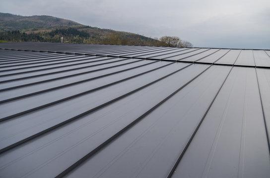 Metal sheet for industrial building roof