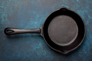 empty cast iron pan