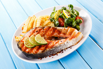 Griled salmon with french fries