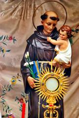Altar de San Antonio y Custodia en Galapagar