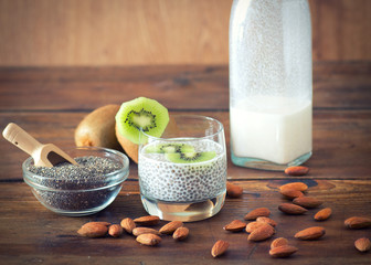 Chia seed pudding with kiwi and almond milk