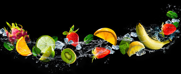 Fototapete - Fruits with water splash