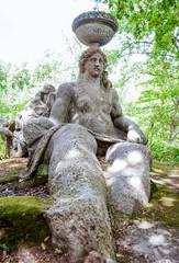 Statua di pietra