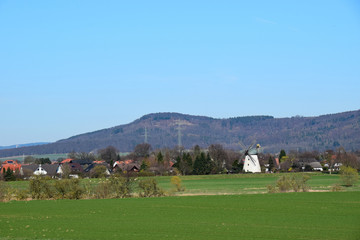 Wesertal mit Windmühle
