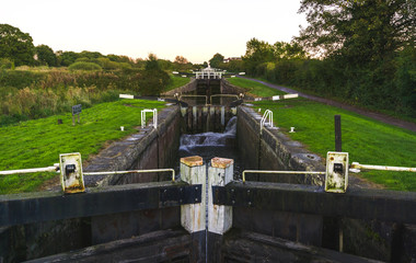 Recess Fitting Channel Caen Hill locks