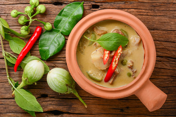 Thai Green Curry with pork in clay pot