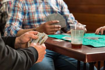 Kortspel på en pub