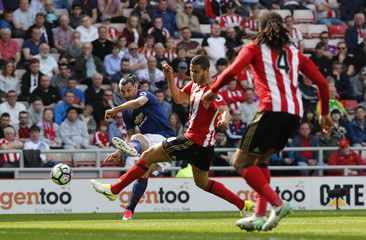Manchester United's Zlatan Ibrahimovic in action with Sunderland's Jack Rodwell