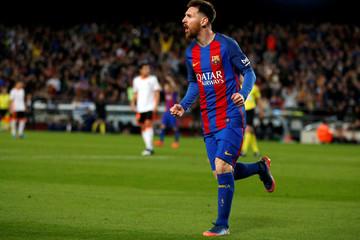 Football Soccer - Barcelona v Valencia - Spanish La Liga Santander