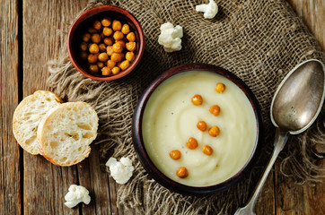 Cauliflower potato soup with roasted chickpeas