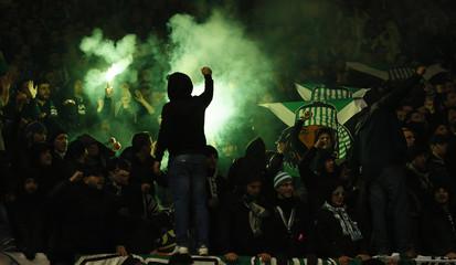 St Etienne fans light flares