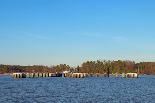 Jamestown-Scotland Ferry docks from the James River