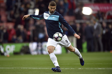 Swansea City's Fernando Llorente warms up before the game