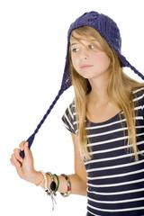 regard Jeune jeune fille avec bonnet