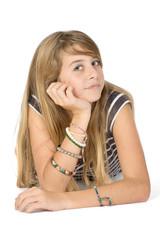 Portrait jeune fille isolée sur fond blanc