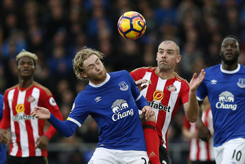Everton's Tom Davies in action with Sunderland's Darron Gibson