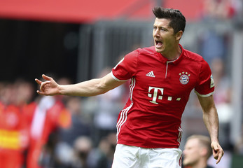 Football Soccer - Bayern Munich v Augsburg - German Bundesliga