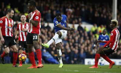 Everton's Romelu Lukaku shoots at goal