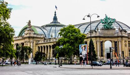 Grand Palais des Champs-Elysees. Paris, France Fototapete