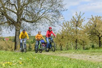 Familien-Radtour im Frühling