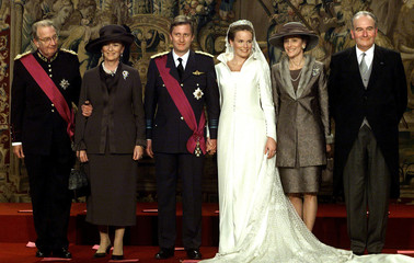 FAMILY PHOTO AFTER BELGIAN ROYAL WEDDING.