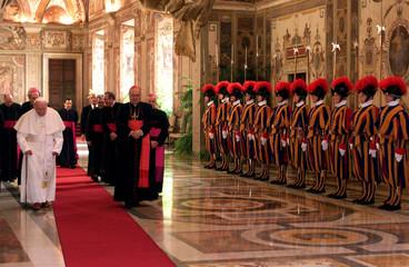 POPE JOHN PAUL IS APPLAUDED BY DIPLOMATS.